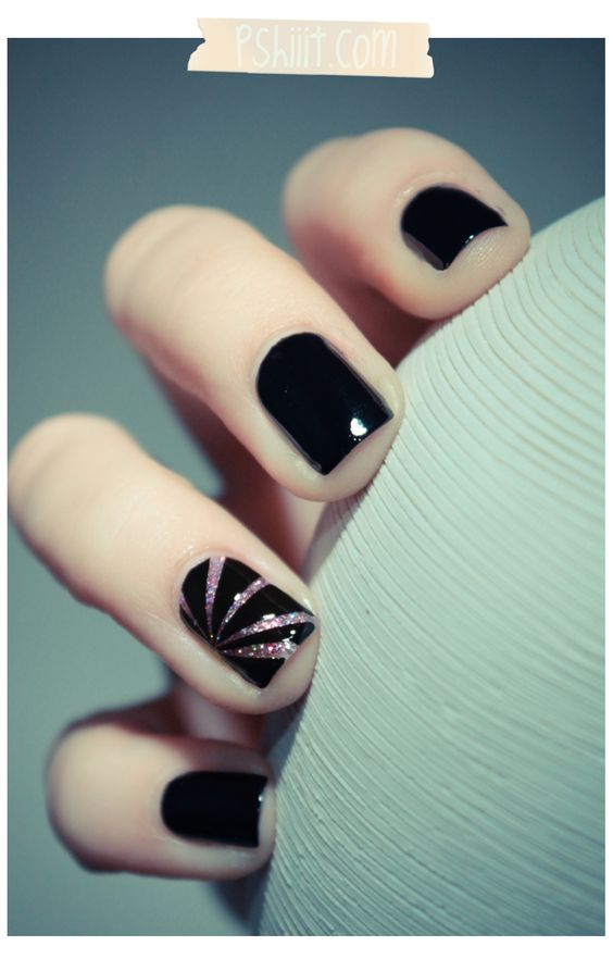 Black nails for winter; black nails with glitter; short black nails; classy black nails; Black almond nails; stiletto nails; acrylic nails.