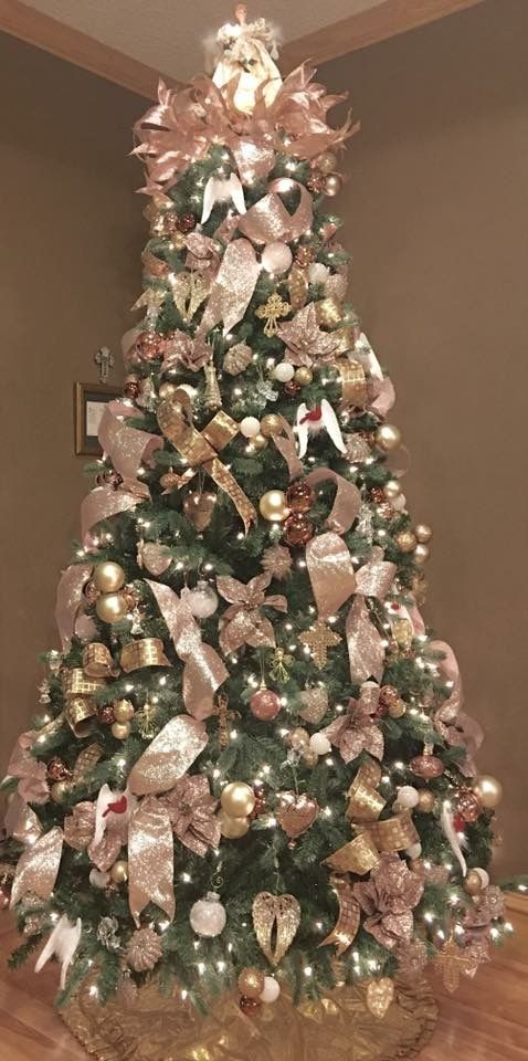 half off 793ed 9a24d 36 Rose and Gold Christmas Tree Decorating Ideas 2018 - Page ...