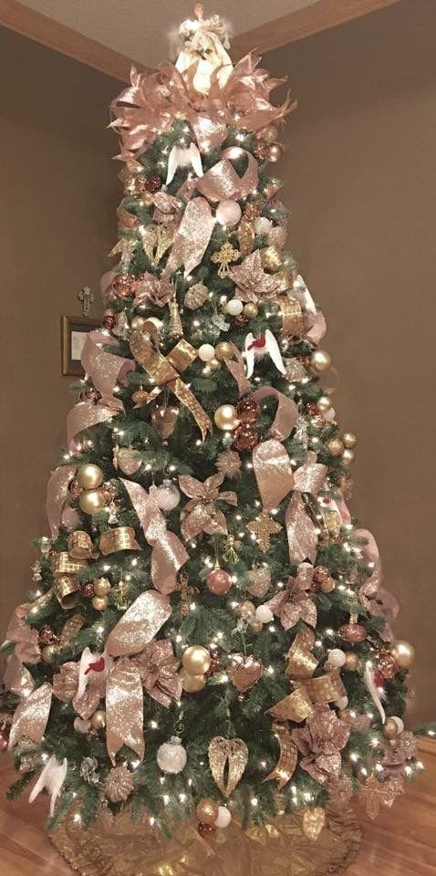 Rose and gold Christmas tree; Christmas tree decorating ideas; Christmas decorations; DIY Christmas crafts; Christmas decor.