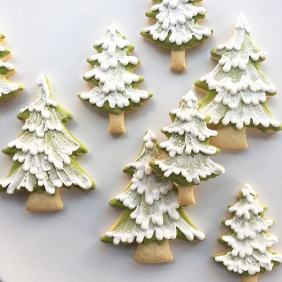 Christmas cookies ideas; Christmas cookies decorating ideas; Christmas tree cookies; chocolate sugar cookies; snowflake cookies; santa cookies.
