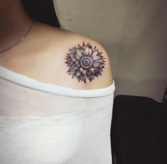 shoulder tattoos; sexy tattoos; floral tattoos; flower tattoos; small tattoos for women.