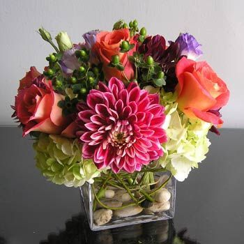 flowers bouquet; floral centerpieces; beautiful flowers; flower designs. #flowers #flowersbouquet #floralcenterpieces #tablecenterpieces