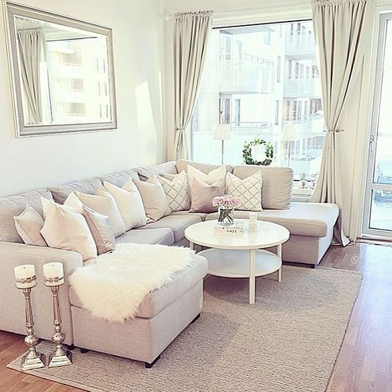 Bright living room ideas; cozy living room decors; white living room; modern living room.
