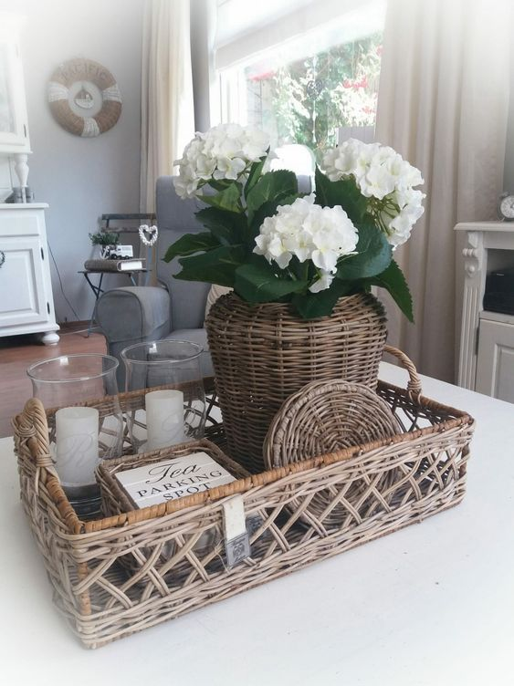 45 Pretty Decorating Ways to Style Your Coffee Table ...