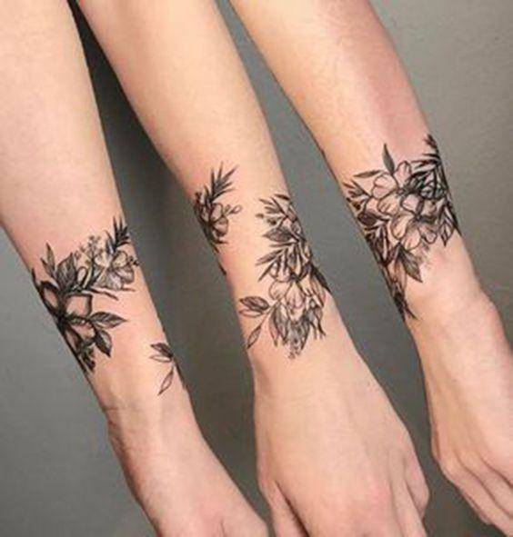 50+ Wonderful Wrist Tattoos For Women
