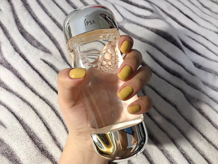 SUMMER CAN ALSO BE RECOMMENDED WITH COLL-TONED NAIL STYLES cool colors in summer,summer manicure