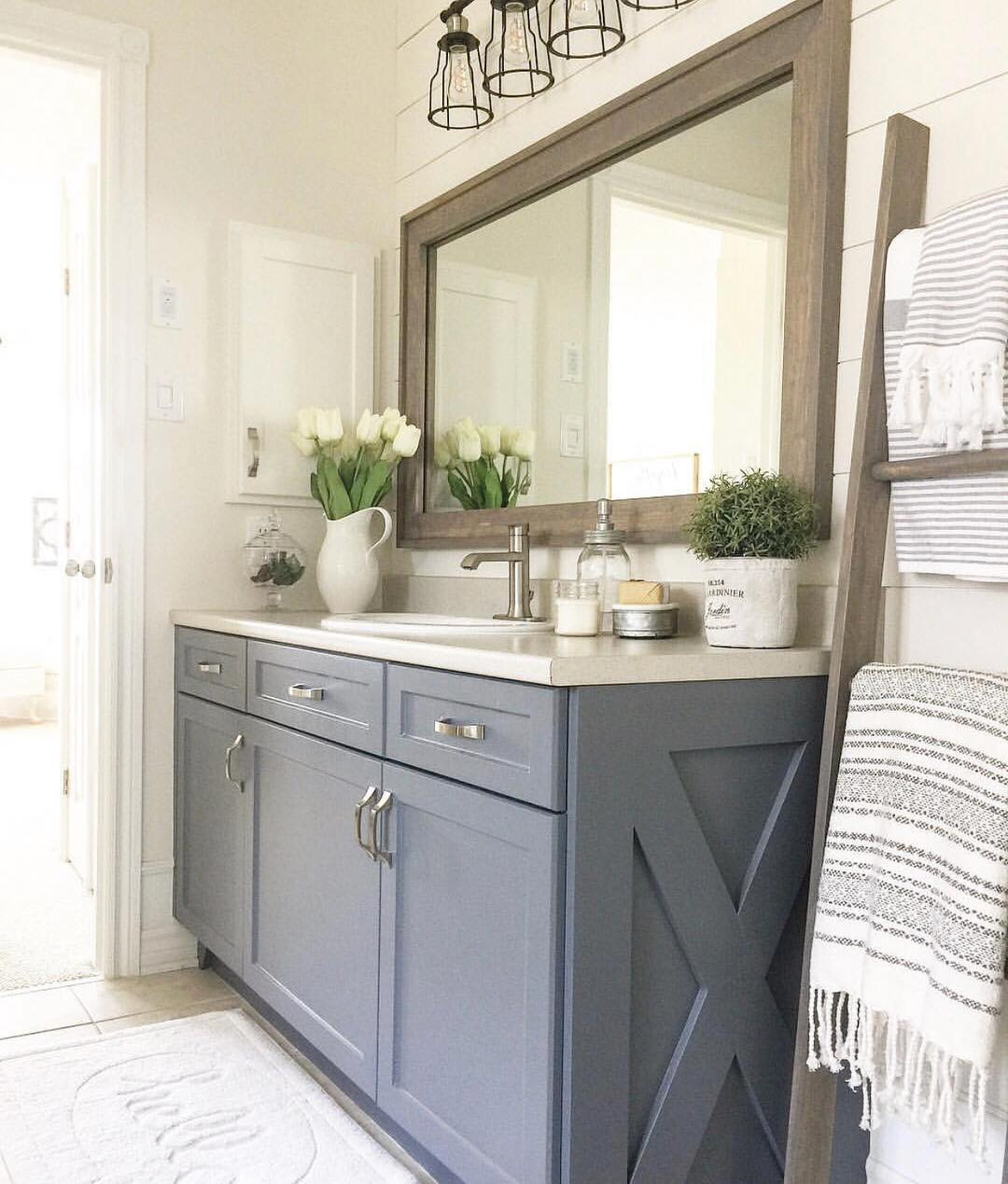 35 bathroomdesign Ideas You'll Love DIY;diybathroom;bathroomdesign;farmhousebathroom;simplehomestyle;fixerupperstyle;vintagefinds