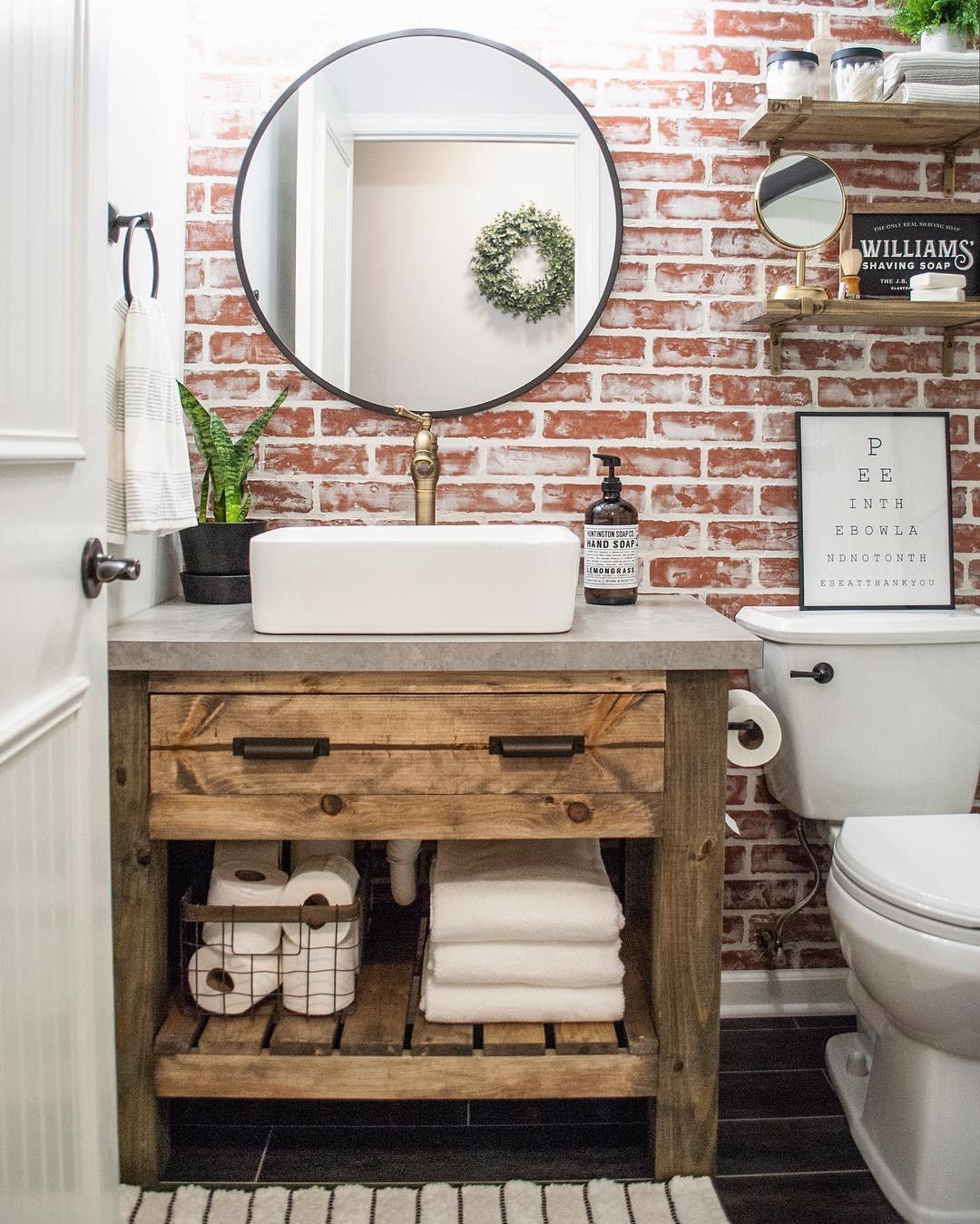 35 bathroomdesign Ideas You'll Love DIY;diybathroom;bathroomdesign;farmhousebathroom;simplehomestyle;fixerupperstyle;vintagefinds